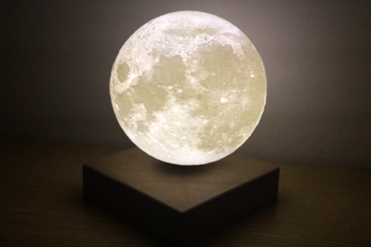 Wireless Charging Levitating Moon Light2